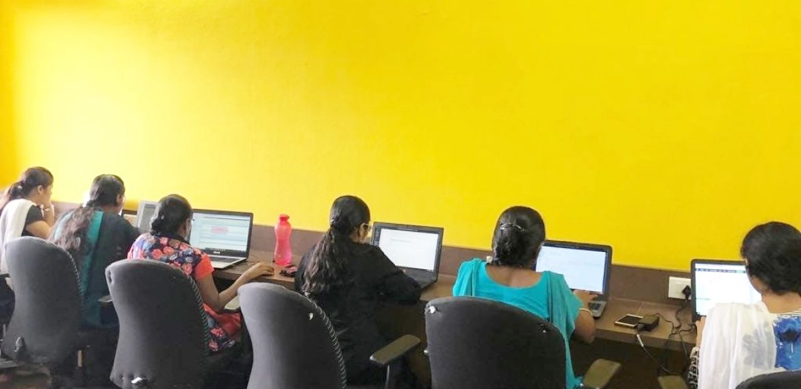 Students in ProPlus AcaDemy